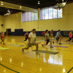 forward lunges in group fitness class