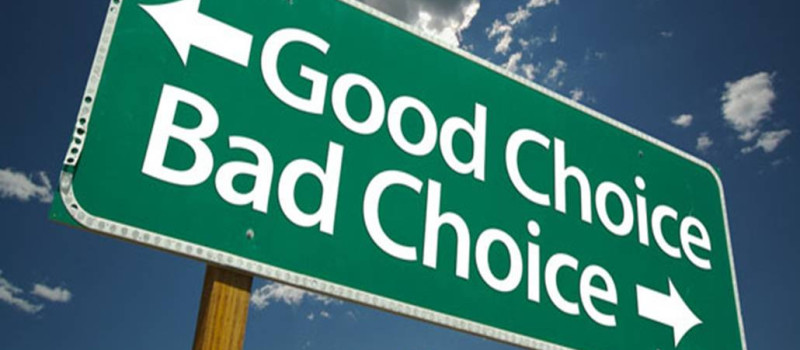 directional sign for good choice and bad choice